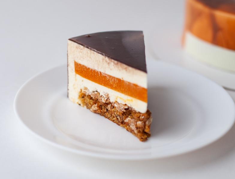 Морковный торт с малиновой/облепиховой начинкой