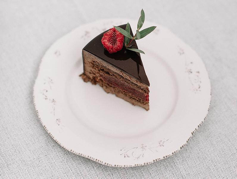 """""""Вишневый трюфель"""" торт"""