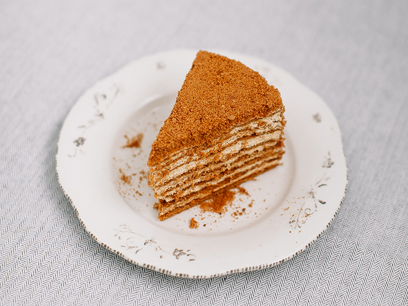 """Медовик"" торт"